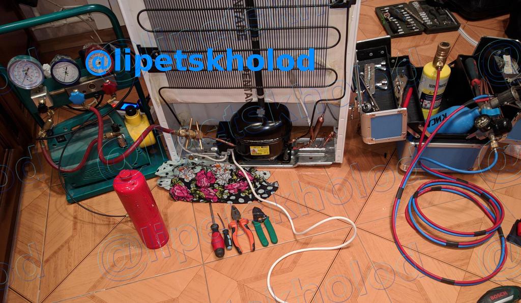оборудование для ремонта холодильников: заправочная станция, фреон, кислородная горелка и другое